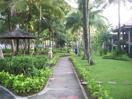 The Jayakarta Lombok, Beach Resort & Spa: Garden view