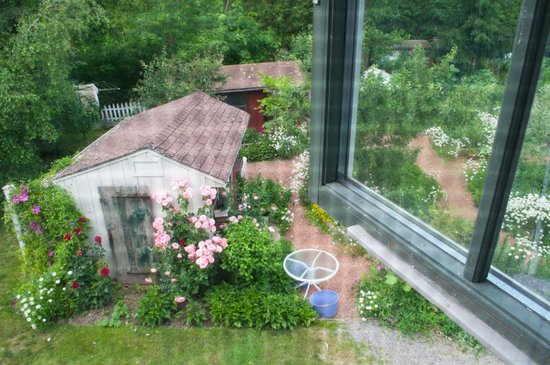 Applewood Hollow Bed and Breakfast: View from our room