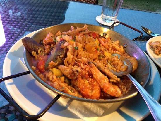 Sigi's Bar and Grill : Seafood Paella for 2