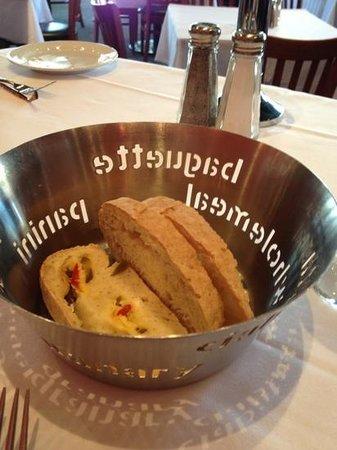 Caffe Opera: jalapeño bread