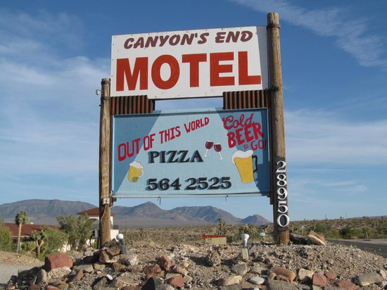Canyon's End Motel: Canyons End Motel sign