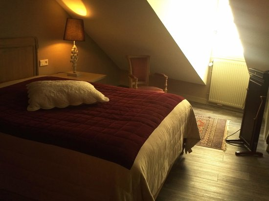 Hotel Saint-Pierre: suite sleeping area