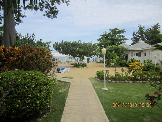 Rondel Village: View of the beach from the Villas.