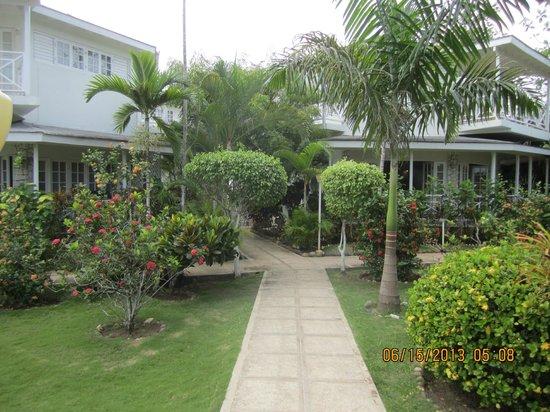 Rondel Village: Beach front Villas and Rooms.