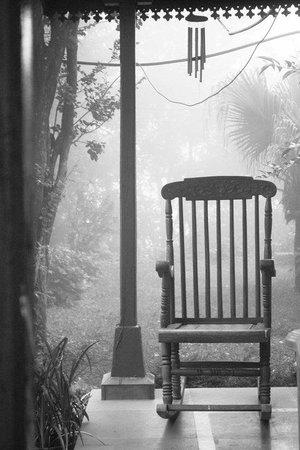 Clouds End Villa: ze rocking chair.isnt it beautiful?