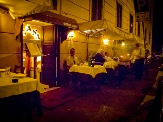Osteria St. Ana: Outdoor Seating