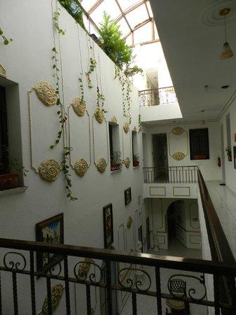 Hotel La Casa de la Luna: HISTORIA CON LUZ NATURAL