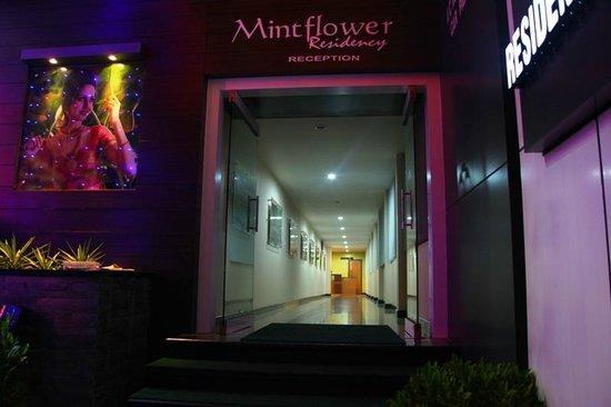 MintFlower Residency