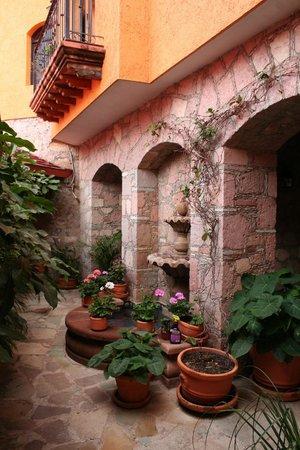 Casa Estrella de la Valenciana: Courtyard