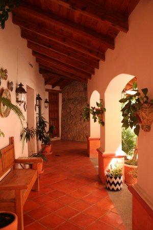 Casa Estrella de la Valenciana: Veranda/ hallway