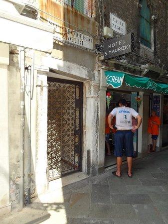 Hotel e Residenza San Maurizio : Entrée de l'hôtel