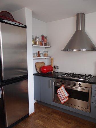 Central Guesthouse Reykjavik : kitchen
