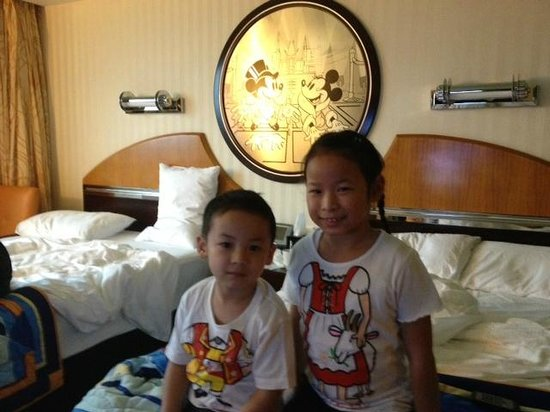 Disney's Hollywood Hotel: In the room