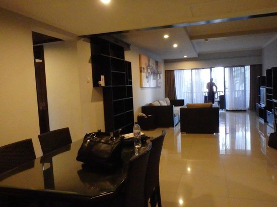 Sanur Paradise Plaza Suites: Large living area