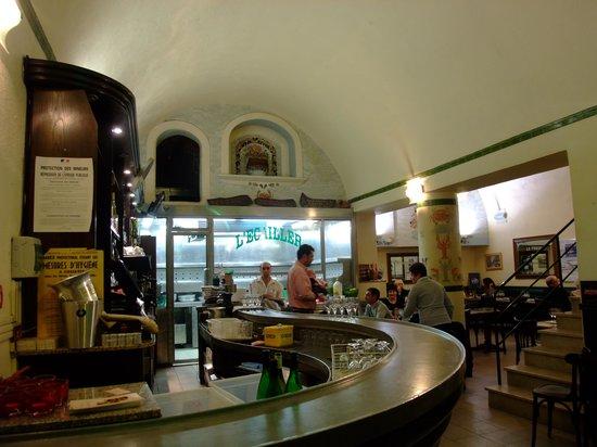 Cafe de Turin: 內部情況