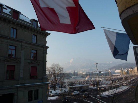 Hotel Rebstock : Mt. Pilatus und Luzerner See - Zimmeraussicht