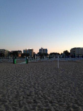Hotel Helios: L'hotel visto dal mare
