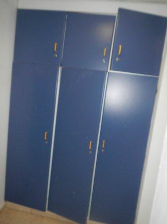 Ein Gedi - Beit Sarah Guest House: storage area (extra comforters inside!)