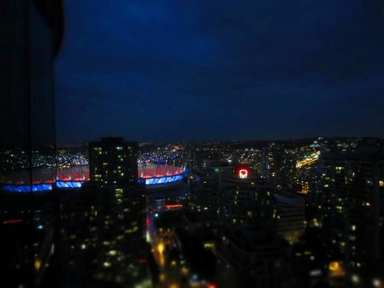 The Westin Grand, Vancouver: BC Place stadium at dusk