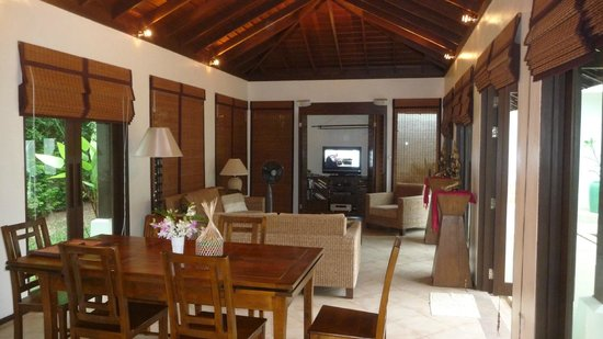 Plumeria Place Residence: Living area