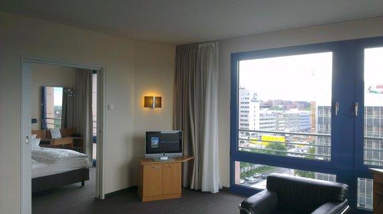 NH Dortmund: livingroom