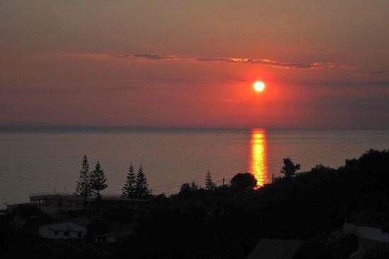 Aloha Hotel: Solnedgang hver dag