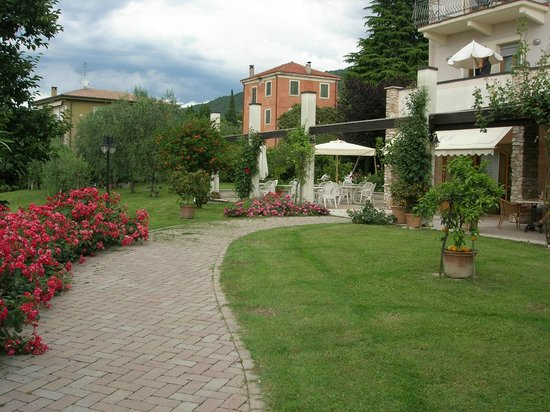 Hotel Belvedere : Outside seating area