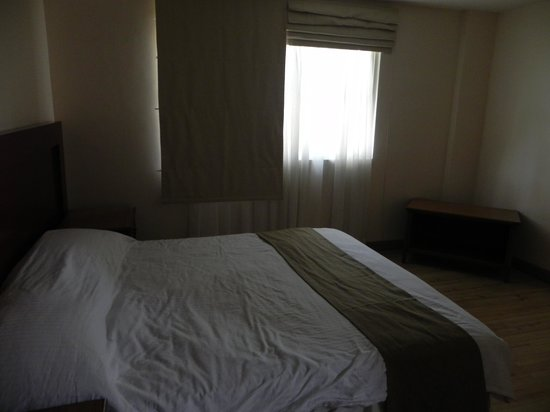 Subic Holiday Villas : comfortable bed
