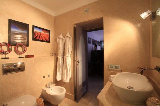 Riad Infinity Sea : bagno suite Terra