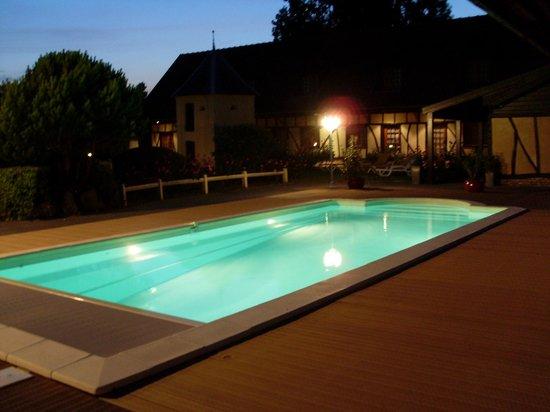 LE FIACRE : piscine