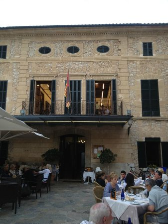 restaurante Il Giardino: the view from my chair. It was a choir practising and sounded so wonderful