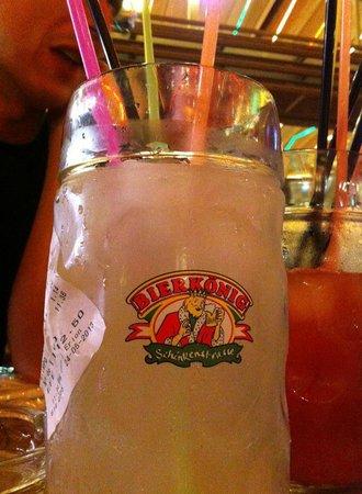 Bierkonie Arenal SL. : Long Drink en pichet de 1 litre = 1 tee shirt du bar en cadeau