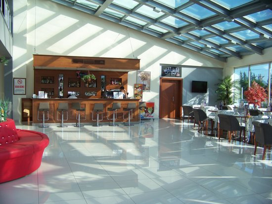 Dalaman Airport Lykia Resort Hotel : Bar and lobby