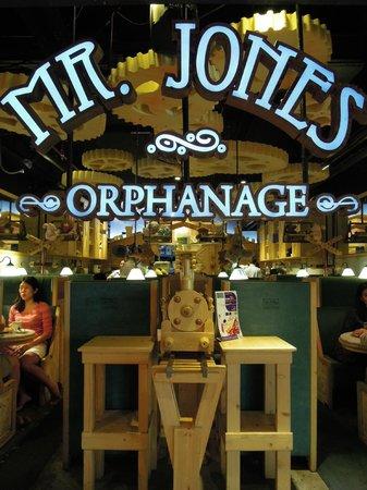写真Mr. Jones' Orphanage枚