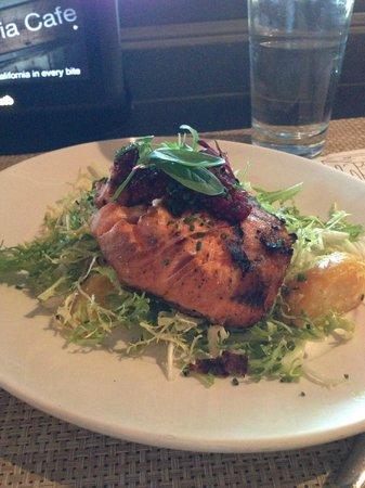 Calafia Cafe: Salmon Special