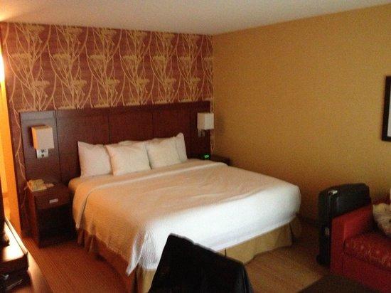 Courtyard Portland Hillsboro: room
