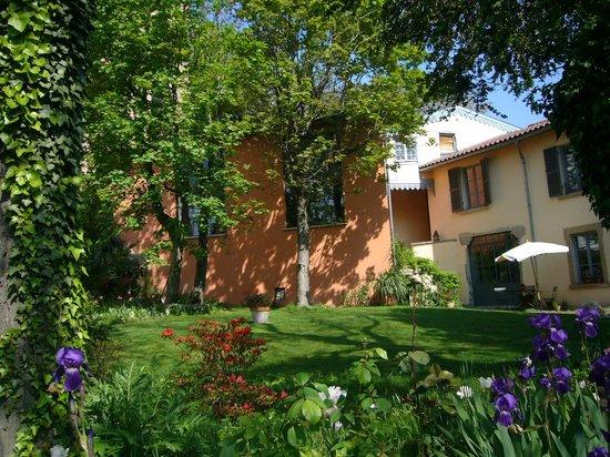 Le jardin de beauvoir prices b b reviews lyon france for Le jardin 69008 lyon