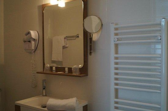 Hotel Eden : salle de bain chambre double