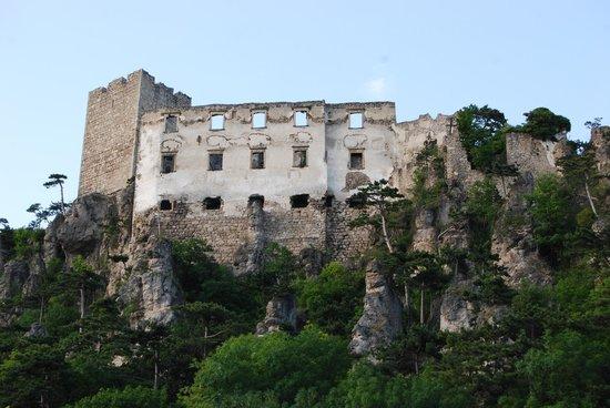 Burgruine Rauhenstein Castle