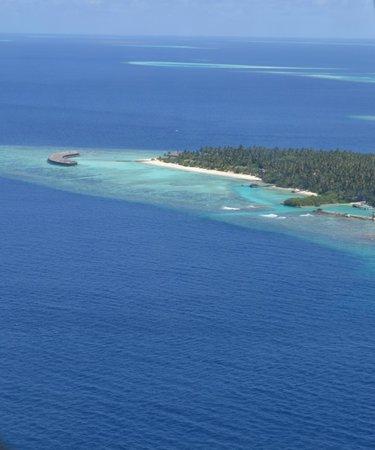 Filitheyo Island Resort: остров из аэро такси