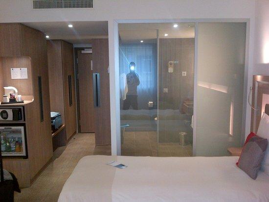 Novotel Lugano Paradiso: vista doccia con vetro off