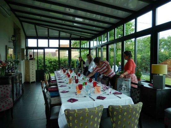 La Cimentelle : Diner dans la veranda