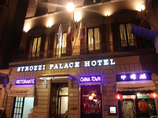 Strozzi Palace Hotel: Exterior del hotel