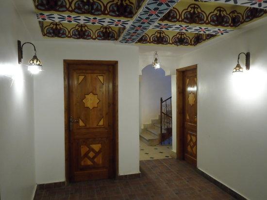 Nefertiti Hotel: Rooms corridor
