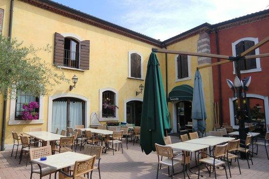 Hotel Antichi Cortili: L'ingresso dell'albergo