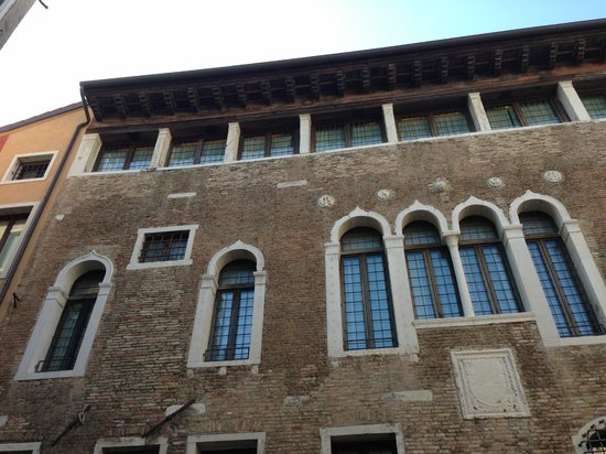 Palazzo Selvadego: Looking up to our room