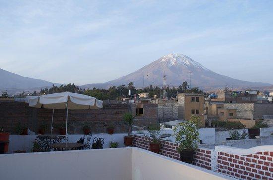 Hostal El Remanso: Terrasse