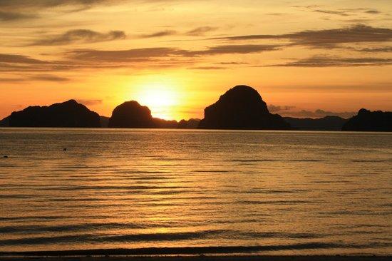 Tup Kaek Sunset Beach Resort: Sunset at the beach