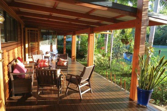 Hibiscus Lodge Verandah