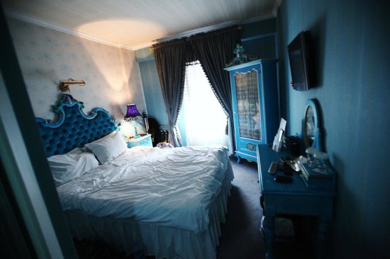 Amisos Hotel: Our Blue Room
